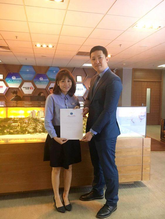 Công ty ALMA - trao giải thưởng du lịch Thái Lan