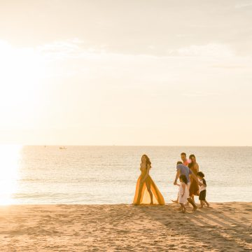 Kỳ nghỉ ven biển bên gia đình tại ALMA resort.